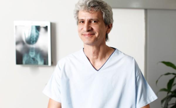 Δρ. Αβραάμ Παντέχης